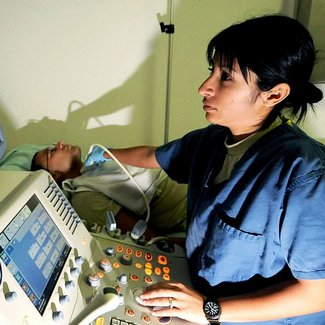 how much do ultrasound technicians make