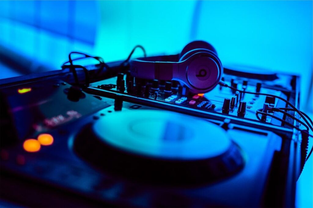 dj mixer and headphones