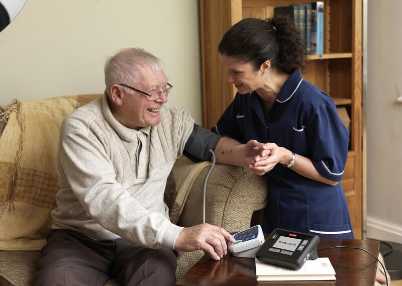how much do personal care nurses make