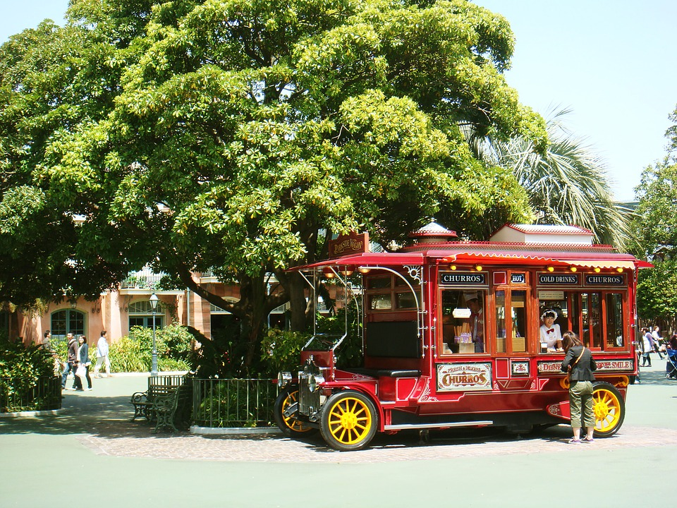rolling food truck in disneyland